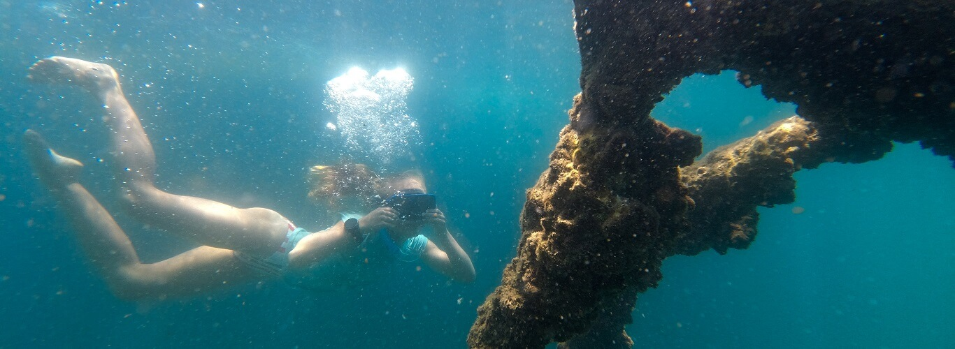 1 Day Moreton Island Tour - Snorkelling the Wrecks